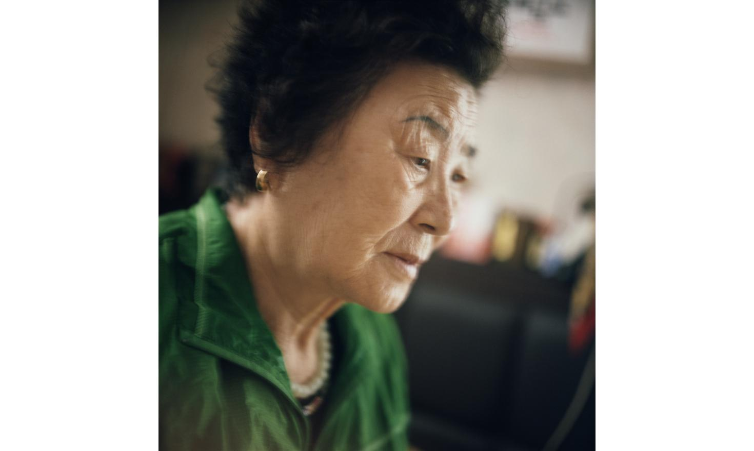 My husband took our 11th daughter to the midwife's.Geoncheon, 27th of June 2013. Mrs Park (the salt vendor as they call her around the village), 79 years old, didn't want to talk to me.