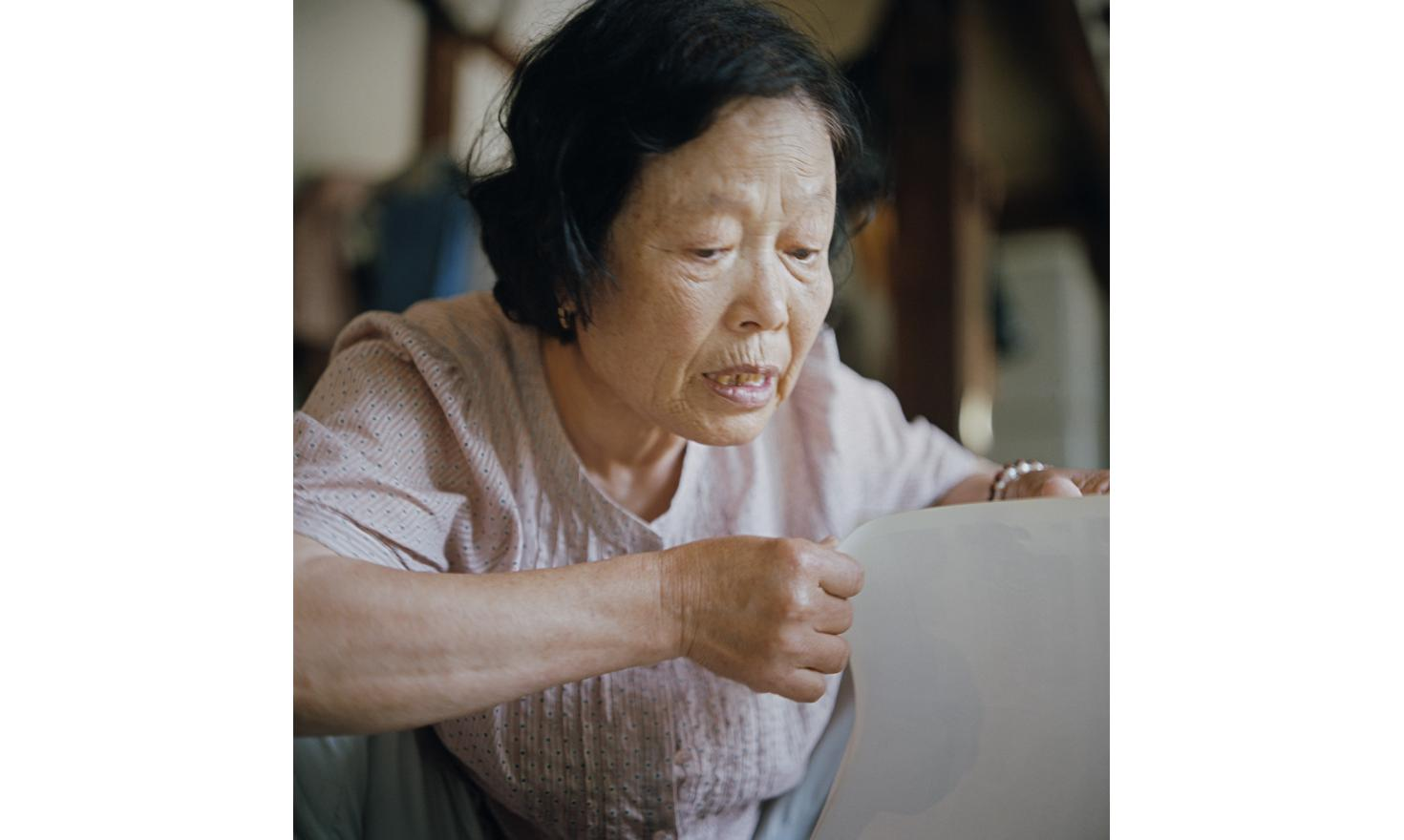 Around Geoncheon 24th of June 2013. Mrs Park Sook Ha and Mr Cho Sang-Hwan wanted a boy. When her fourth daughter is born, they took the decision to let her with Mrs Song, the village mid wife.