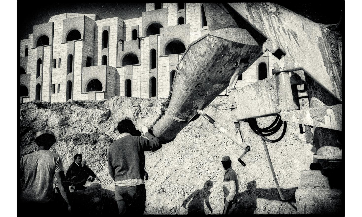 Palestinian working at the construction site of the colony of Ma'aleh Adumin. Occupied West bank. April 29, 1982
