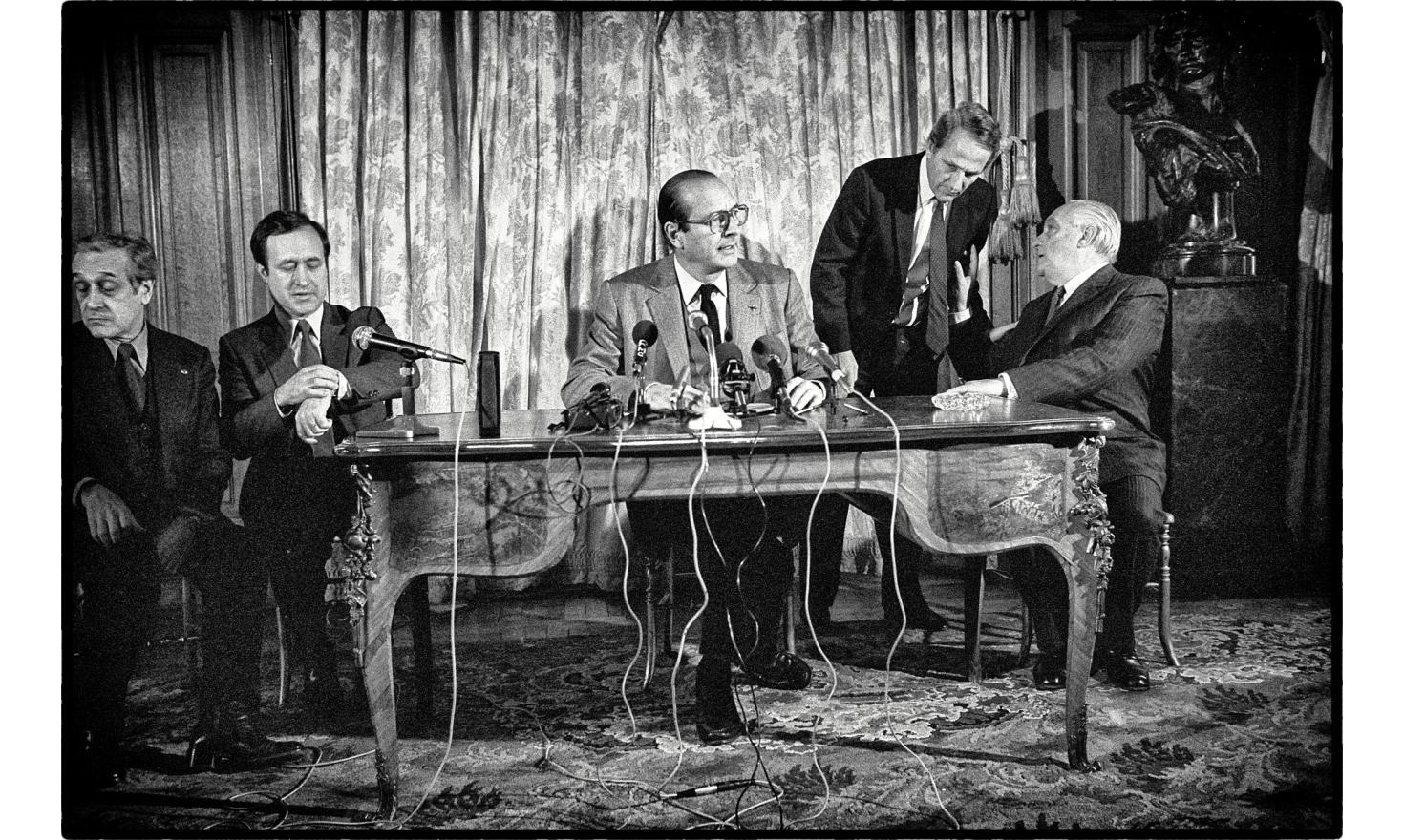 Press conference of the mayor of Paris, Jacques Chirac. He introduces the top candidate for the next municipal elections. Paris, France. December 21, 1982