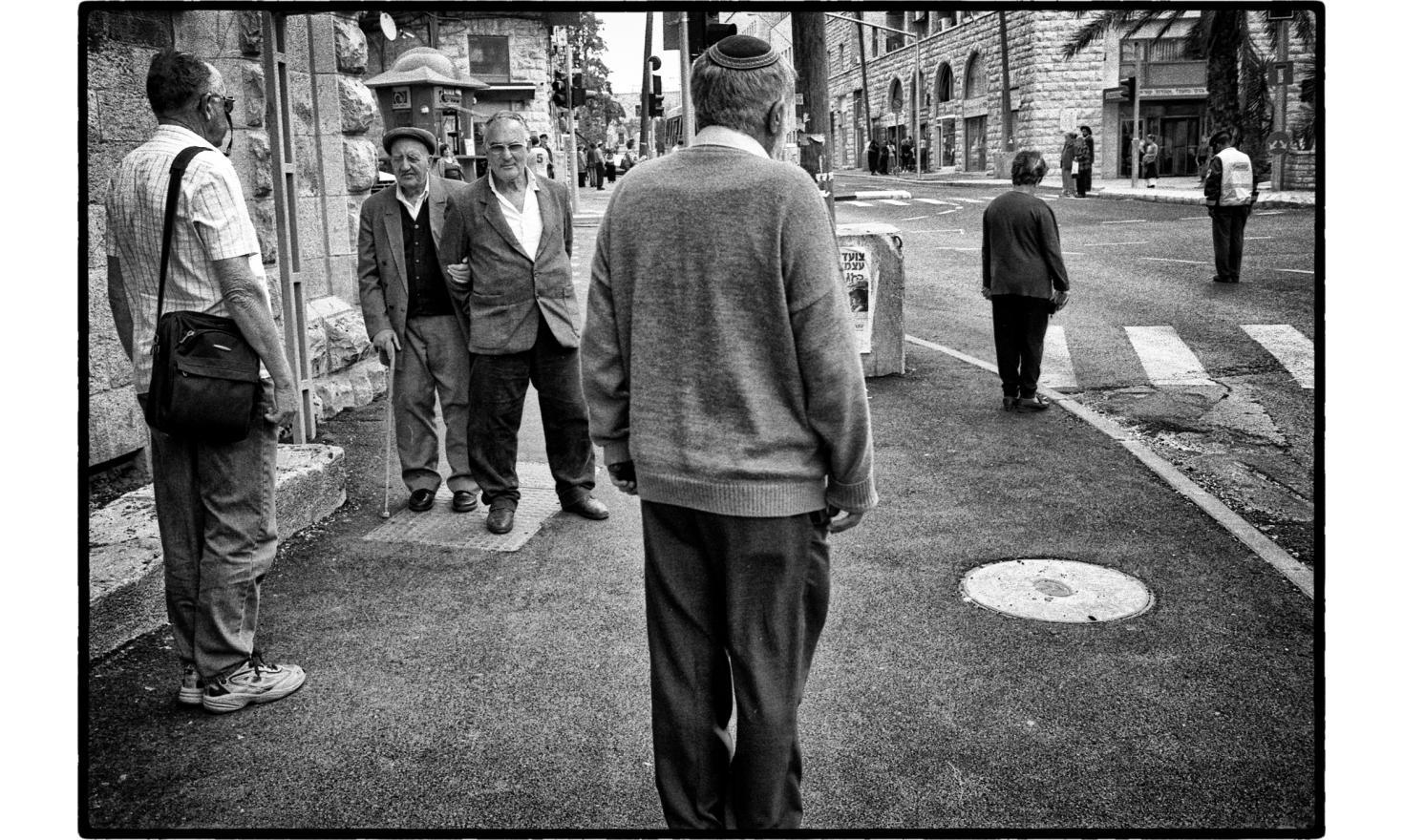 At 10 am, sirens sounded throughout Israel to celebrate Remembrance Day and the Holocaust hero. Jerusalem, Israel. April 2004.
