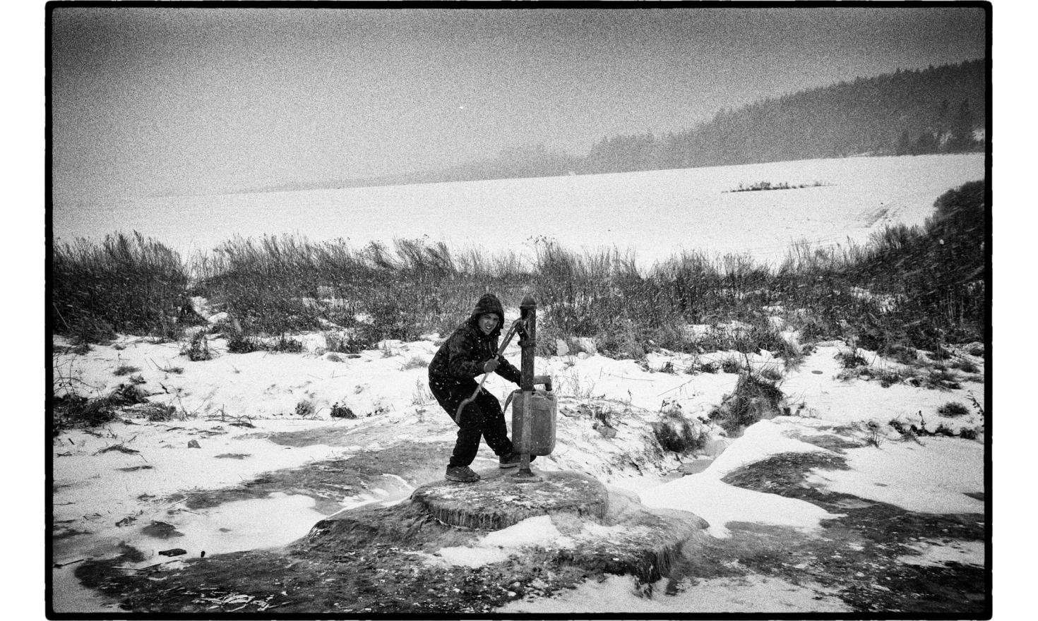 """Winter is very harsh at the""""Roma osada"""", roma district of Letanovce, located at 2 kilometers from the center, at the edge of the National park of the slovak paradise. Slovakia, November 2009."""