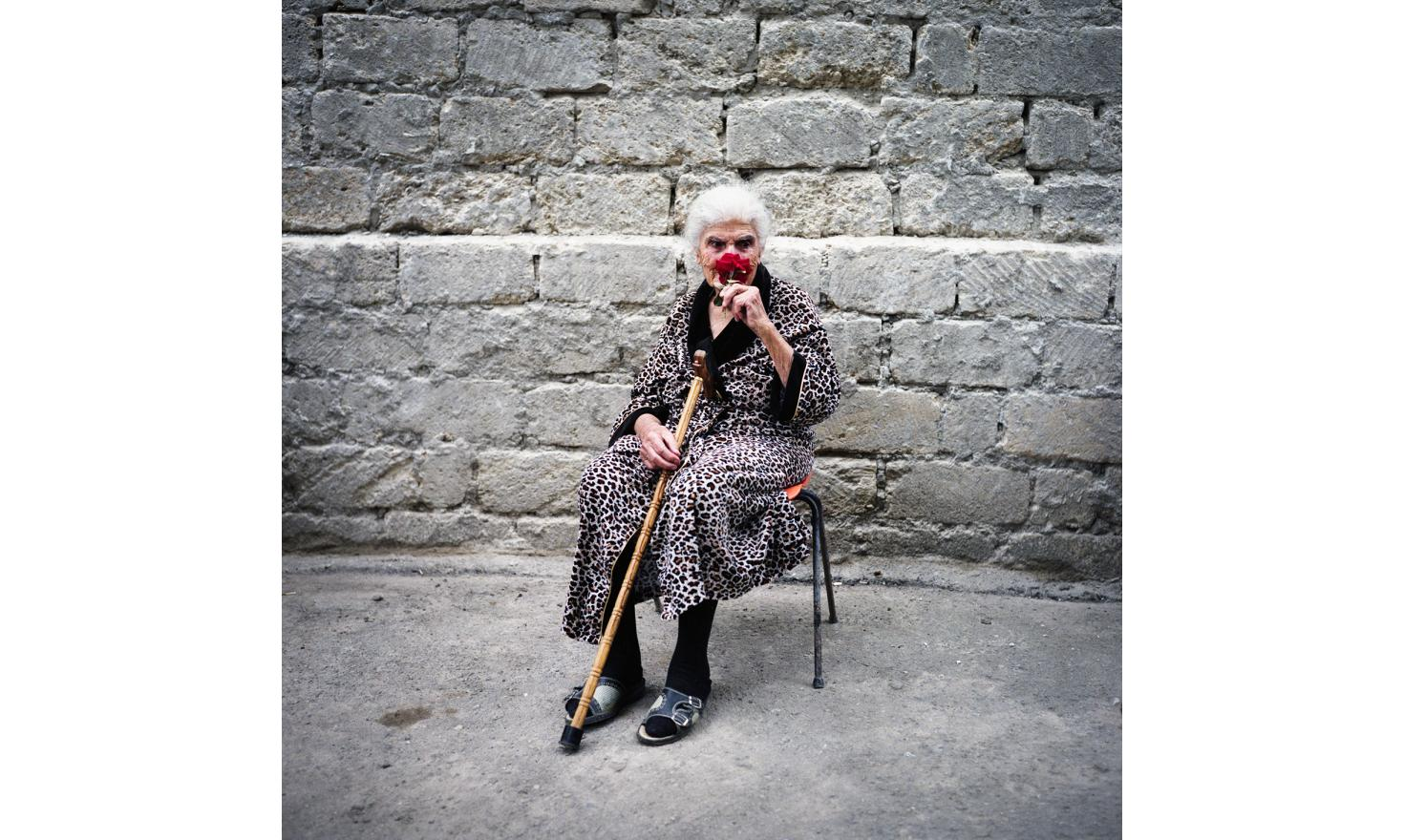 She's 96 years old and a Bakou refugee. She lives in the only nursing home of the country. One of her sons is dead, the other is imprisoned whithout her knowing. That's why she lives in this institution. Usually seniors are in charge of family.
